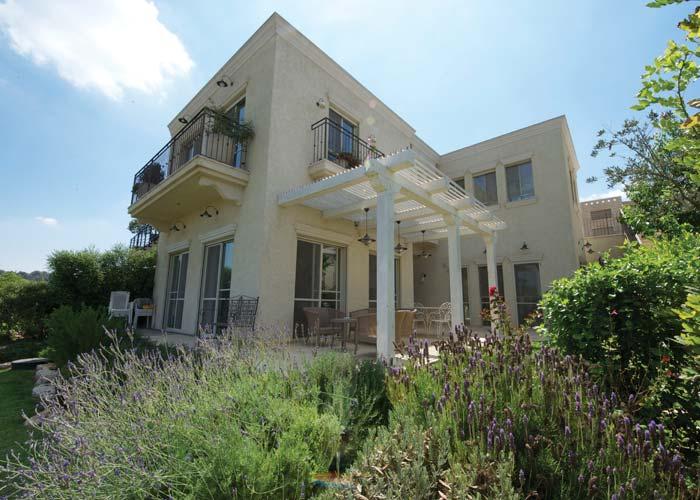 בתים יפיים בישראל